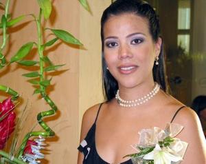Señorita Betty Wong Armendáriz, captada en su despedida de soltera.