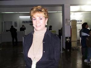 Rumbo a Miami Florida viajo Aurora Lavín.