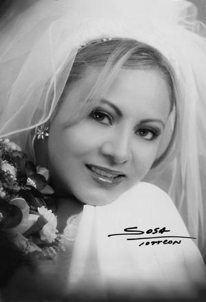 Srita. Inés Pérez Aguirre el día de su enlace nupcial con el Sr. Pablo Rodríguez Suárez. <p> <i>Studio Sosa</i>