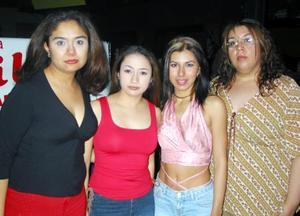 Fátima Rosales, Yossy Robles, Toby de la Rosa y Melis Benítez.