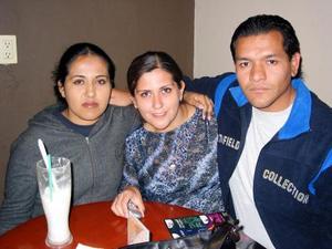Elizabeth Cardona Ríos, Miriam Rodríguez Garay y Alfredo Ochoa.