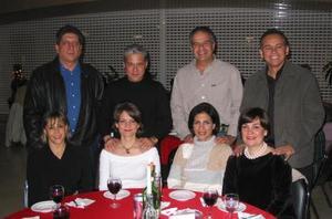 <u><b>21 de febrero</u></b><p> Carlos y Rocío Limón, Eduardo y Gaby Torres, Feliz y Blanca Giacomán y Jorge y Elsa Díaz.
