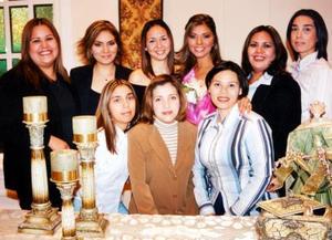 Cristina Alicia soto Chávez acompañada de Maribel, Lilia, Jéssica, Lety, Deysy, Rocío, Gaby y América en su despedida de soltera.