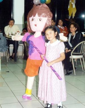 Evelyn Vianey González festejó su sexto cumpelaños de vida con un convivio infantil.