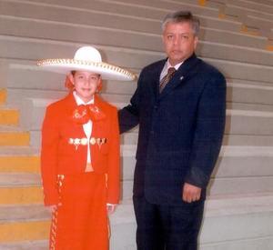 Raquel Martínez Torres alumna del cuarto añode rpimaria del IFL, hija de los señores José Antonio Martínez Carrillo  y Raquel Torres de Martínez.