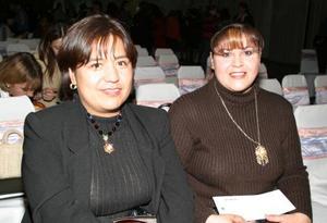 Leticia Arcinie y Ana Isabel Pérez.