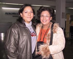 Dora y María Elena Quezada viajaron a Orlando Florida para estudiar una especialidad en administración .