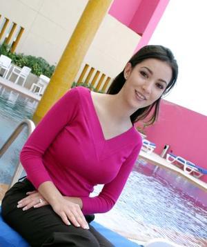 Aurora Gutiérrez Mansur lució feliz en su primera despedida de soltera. Ella contraerá matrimonio con Carlos Valdés Bohgas.