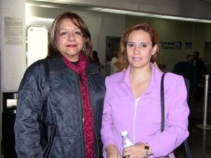 Leticia Martínez y Martha Guzmán regresaron a Morelia luego de una junta de trabajo.