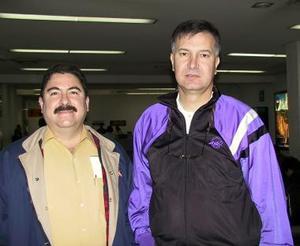 Con destino a Huatulco, viajaron José Raúl Morquecho y Edmundo Gurza.