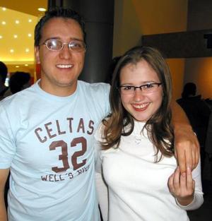 Víctor Padrón y Aidée Lee.