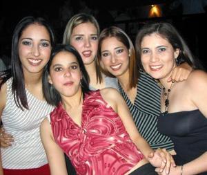 María Villarreal, Mónica de la Torre, Karla Villarreal, Vanesa Loera, Blanca de la Torre.