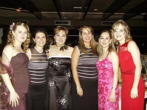 Claudia de Iriarte, Marcela Carrillo, Aurora González, Verónica de Verduzco, Irma Verduzco y Ana Laura González.