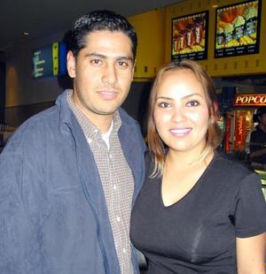 César Morales y Dulce Valeria.