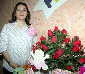 Mariela Rey López de García espera con gran entusiasmo la llegada de su bebé.