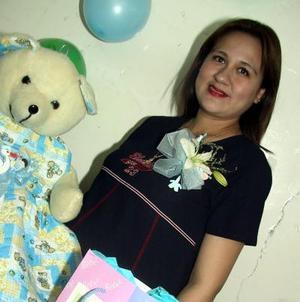 Guadalupe Pineda de Solís disfrutó de una agradable fiesta de canastilla.