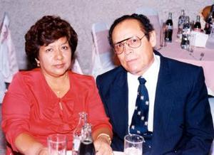 Los señores Juan Francisco Jasso Páez y San Juana de la Torre de Jasso celebraron su 30 aniversario de feliz matrimonio.
