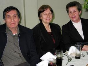 José Luis, María del Carmen y María del Rosario Silva Campillo captadas recientemente.