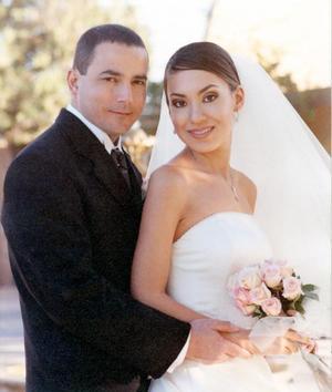 Sr. Rodolfo Ruiz Treviño y Srita. Mónica González Sánchez contrajeron matrimonio religioso en la parroquia de San Pedro Apóstol el 14 de febrero de 2004.
