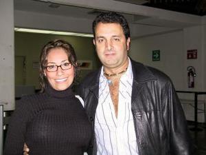 <b> <u> 03 de marzo </u></b> <p> Saskia Luna y Markin Carreras regresaron a la Ciudad de México luego de visitar a familiares.
