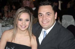 Alejandra Nahle de Mijares y Carlos Mijares.