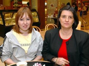 Ana Ávalos y Adriana de Siller.
