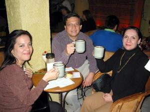 <u><b>03 de marzo </u> </b> <p> Verónica García, Ricardo Ramos y Rosa María Peña de García.