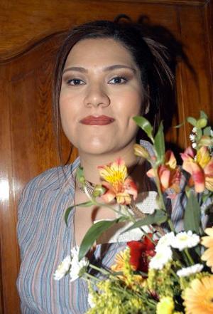 Claudia Elena Castañeda en su despedida de soltera realizada por su próximo matrimonio.
