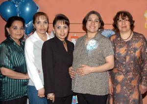 <b><u>02 de marzo </b></u><p> Silvia Cristina Mena de Esparza recibió numerosa felicitacione en la fiesta de canastilla que le ofrecieron recientemente