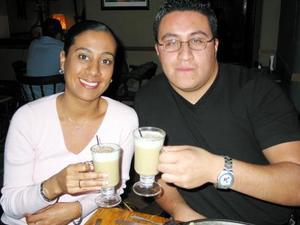 Ana Vázquez y Oswaldo Ortiz.