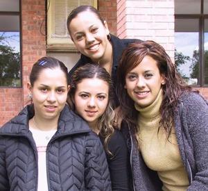 Judith Hernández, Loreley Cevallos, Yunue Acuña y Érika Uribe.