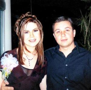 Beatriz Esparza y Raúl Arredondo contrajeron matrimonio el 06 de marzo de 2004.