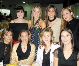 <b><u>04 de marzo </b></u><p> Paola Boehringer de Veyán, Karla Nuño, Maruza Martínez, Xelha Garza, Ana Elisa Lastra, Sandra y Karla Villa , acompañaron a Regina Setin Valenzuela en su despedida de soltera.