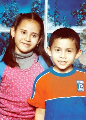 Azucena y Edgardo Ramírez García cumplieron nueve y siete años respectivamente y fueron festejados por sus padres.