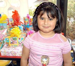 Alondra Mariel Orona Rentería cumplió seis años de vida y los festejó con un convivio que le organizaron sus papás.