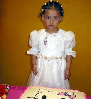 Lesly Natalia de la Rosa Gómez cumplió tres años de vida y los festejó con un convivio que le organizaron sus papás.