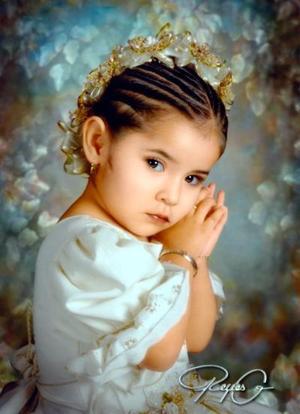 Niña Dulce Anahí Rodríguez González en una fotografía de estudio con motivo de sus tres años de vida.
