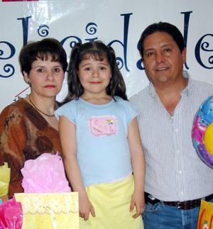 <b><u>08 de marzo</b></u><p>  Martha Fernanda Herrera Alanís celebró su séptimo cumpleaños con un festejo preparado por sus papás, Alberto y Martha Herrera.