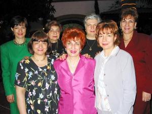 Mery Jaik  con sus hermanas Linda, Samia, Chacha, Susy, Cristy e Isabel.