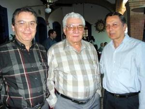 Jorge Jaik, Javier Jaik y Gerardo González.