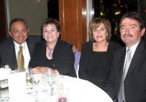 Manuel Gambóa, Rosalía de Gamboa, Adela de Salazar y José León Salazar.