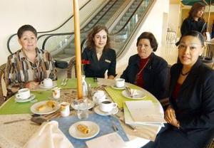 <b><u>07 de marzo </b><u><p> Rosa Pérez, Lizeth Balterrez, Lupita de Castillo y Marilipe Castillo.