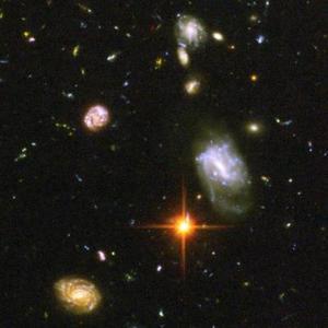Allí, el telescopio espacial ha descubierto galaxias que existieron entre 400 y 800 millones de años tras el Big Bang, mientras que hasta ahora los aparatos de observación terrestres sólo habían detectado galaxias que existieron 500 millones de años tras la gigantesca explosión.