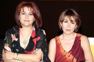 Blanca de Echávarri y Brinia de Carlos, en pasado festejo social.