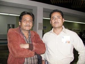 <b> <u> 11 de marzo </u></b> <p> Juan Carlos Reyes viajó a un congreso a Mazatlán y fue despedido por Raúl Reyes