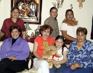 <b><u>11 de marzo </b><u><p>  Tania Mirely festejó su cumpleaños en compañía de algunas de sus familiares.