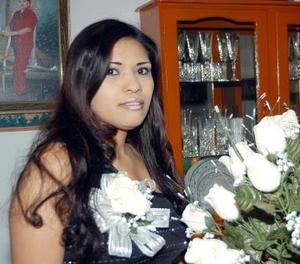 Eva Vargas Martínez en la despedida de soltera que le ofrecieron en días pasados.