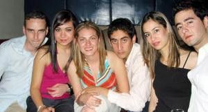 Jaime Guerrero, Karina Otais, Ana Corrales, Pato Metlicy, Fabiola Zepeda y Willy Zepeda.