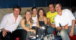 Daniel Berumen, Rocío Sañudo, Marcela Romo, María Olayo, Miguel Barrera y Emmanuel Repetto.