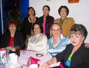 <b><u>12 de marzo </b><u><p> Victoria de Peña, Irma de Jaidar, Amira de Talamás, Estelita de Medellín, Magdalena de Abularach, Norma de Dávila y Guadalupe Martínez.
